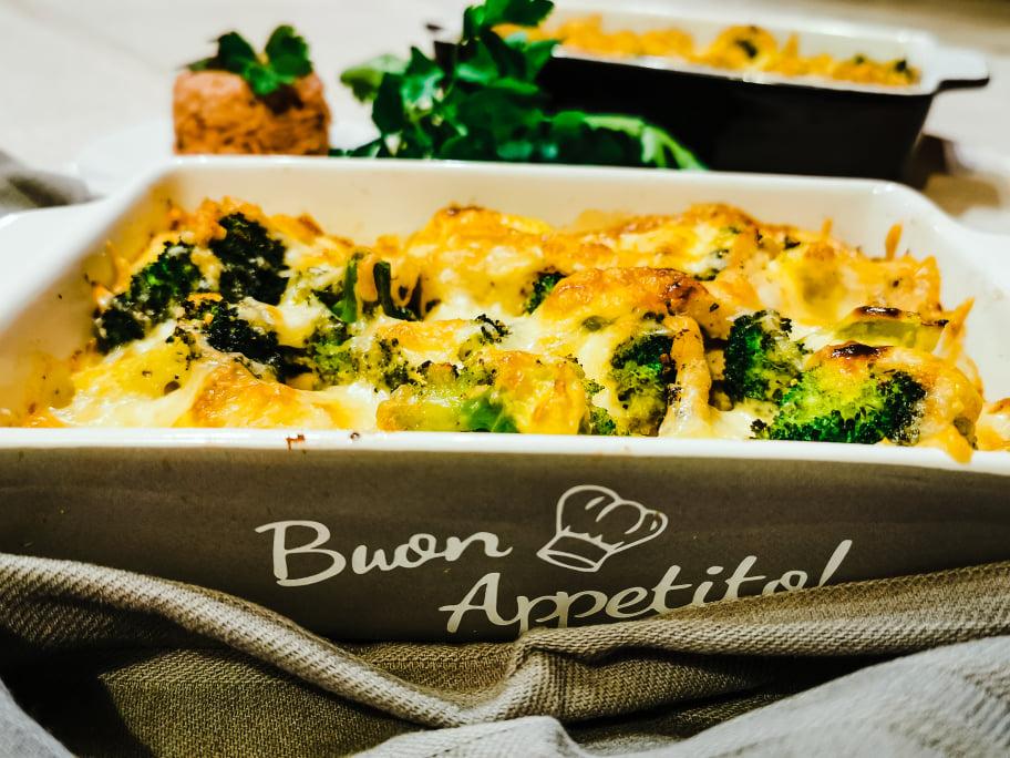 Low-Carb Brokkoli-Auflauf mit Hähnchen