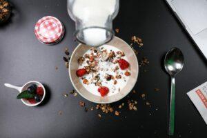 Warum sind Flohsamenschalen gesund? Wie unterstützen sie dich beim Abnehmen? + 9 Vorteile von Flohsamenschalen